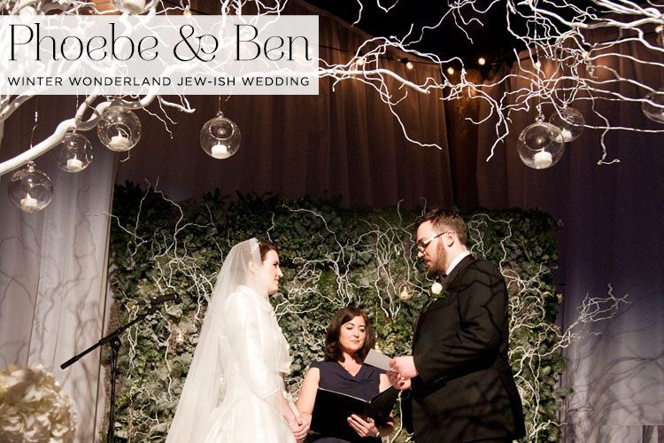 Winter-Wonderland-Interfaith-Jewish-wedding-at-The-Underglobe,-Globe-Theatre-London