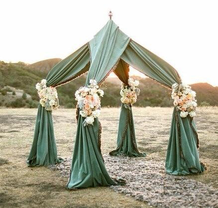 unusual outdoor chuppah
