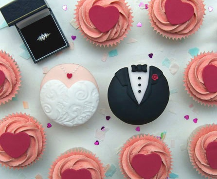 bride_groom_cupcakes