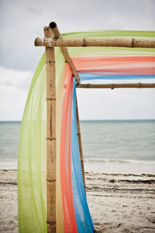 love the tropical colours for this beach wedding
