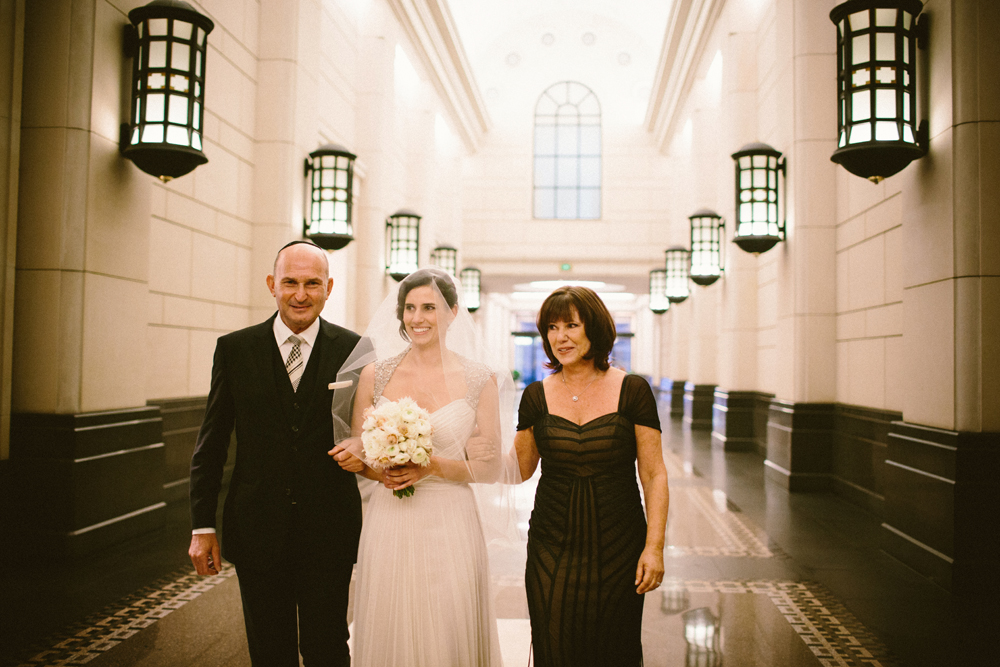 Vintage glam Jewish wedding at 333 Collins St and Myer Mural Hall Melbourne 15
