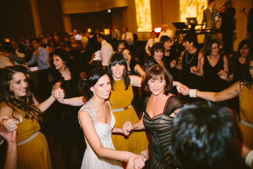 Vintage glam Jewish wedding at 333 Collins St and Myer Mural Hall Melbourne 9