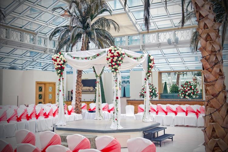 The chuppah jewish wedding traditions explained 5 smashing the chuppah for smashing the glass jewish weddings explained junglespirit Image collections