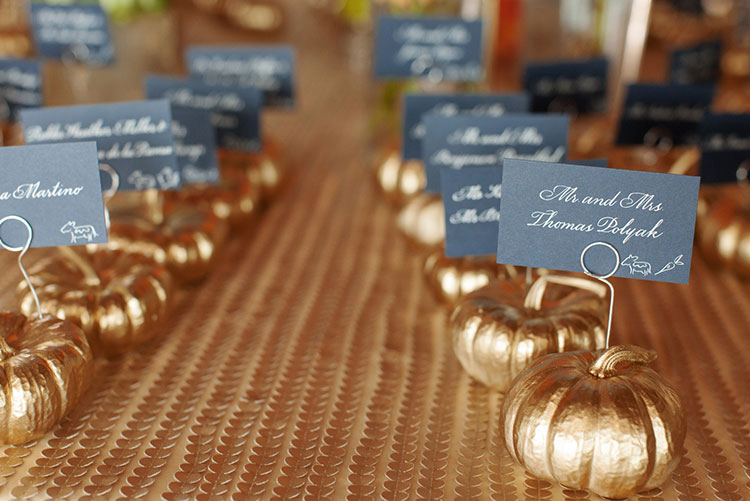 Pumpkin-seating-card-holders