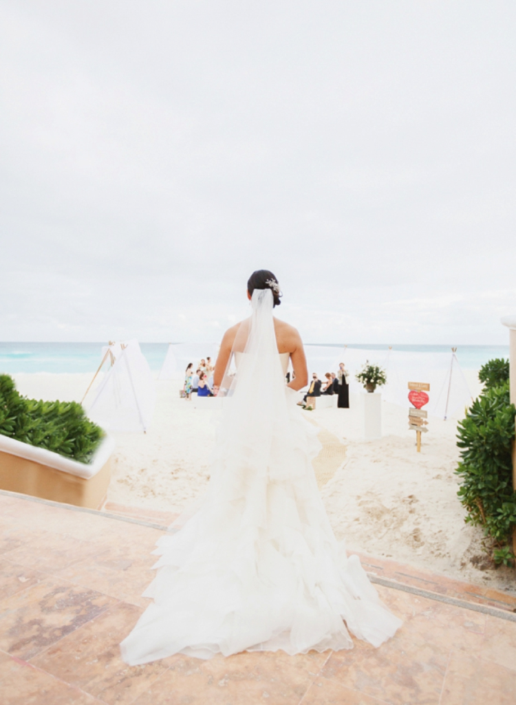 beach-chic destination Jewish wedding at the Ritz-Carlton, Cancun, Mexico