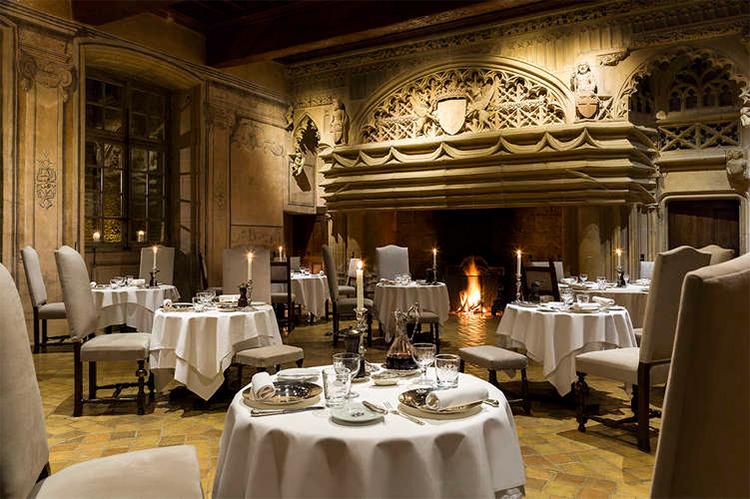 Chateau-Bagnols-restaurant