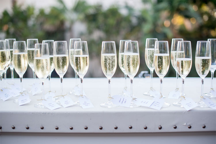 champagne-glasses-wedding