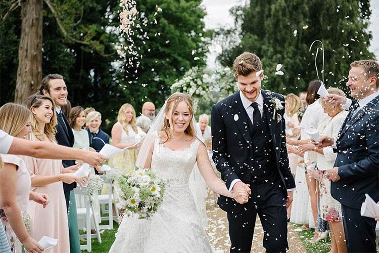 Tanya-Burr-and-Jim-Chapman-wedding