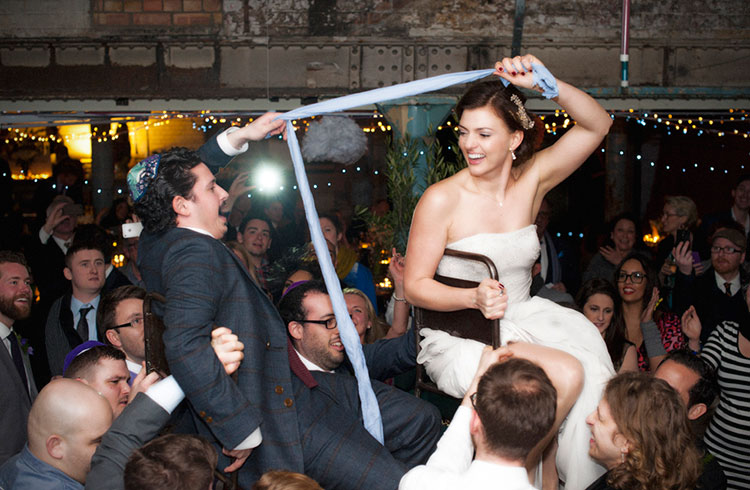 jewish-wedding-dancing-hora