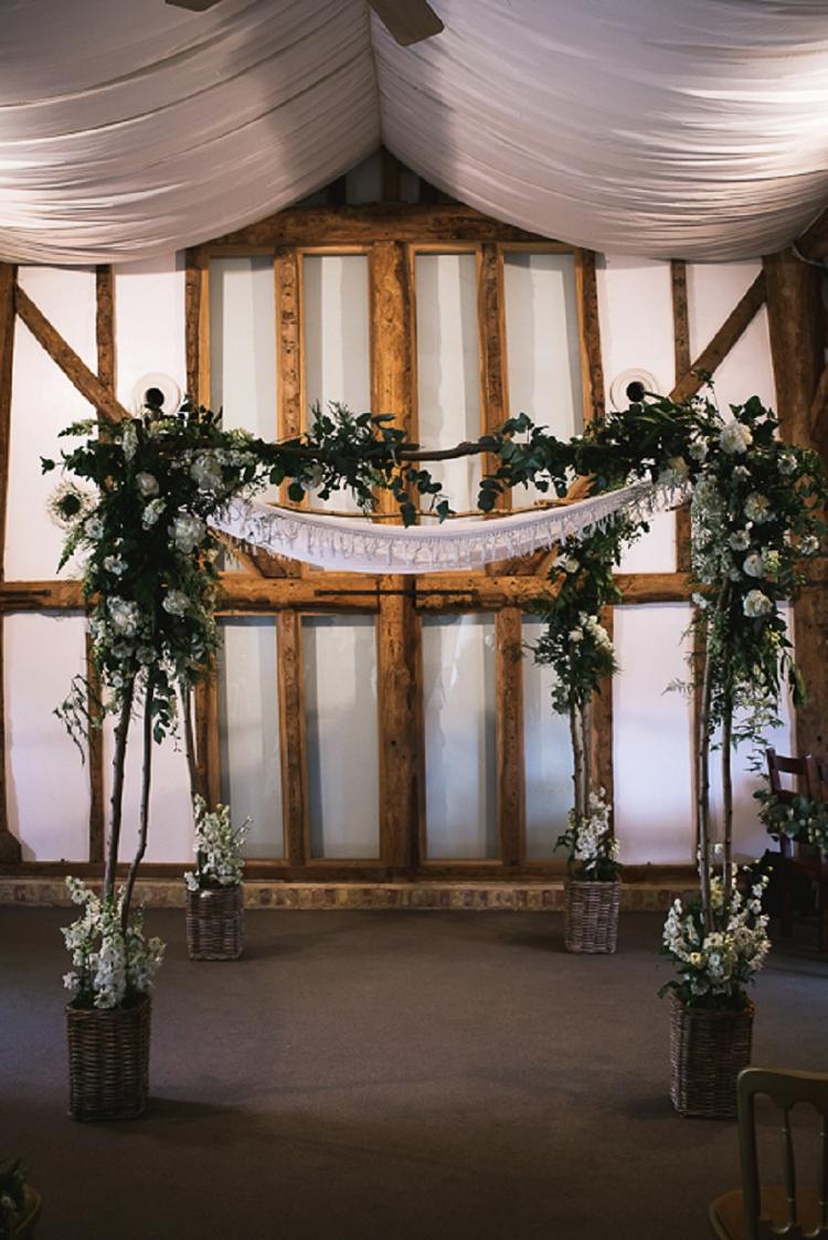 Rustic Jewish Wedding South Farm UK_0002
