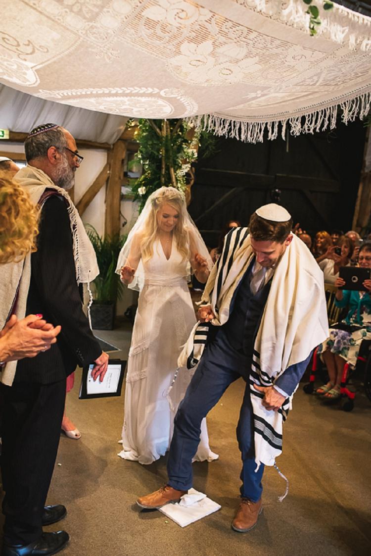 Rustic Jewish Wedding South Farm UK_0034