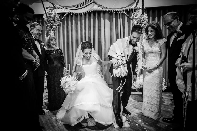 Jewish Wedding Manor by the Lake Hatherley Lane Cheltenham UK_054431