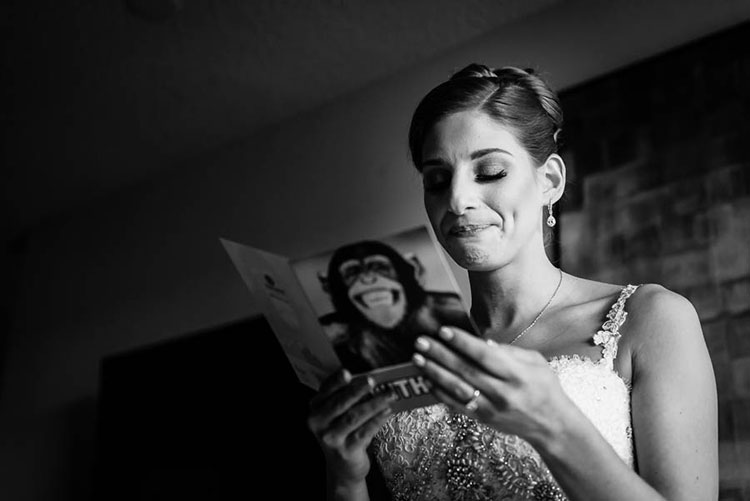 bride-reading-card