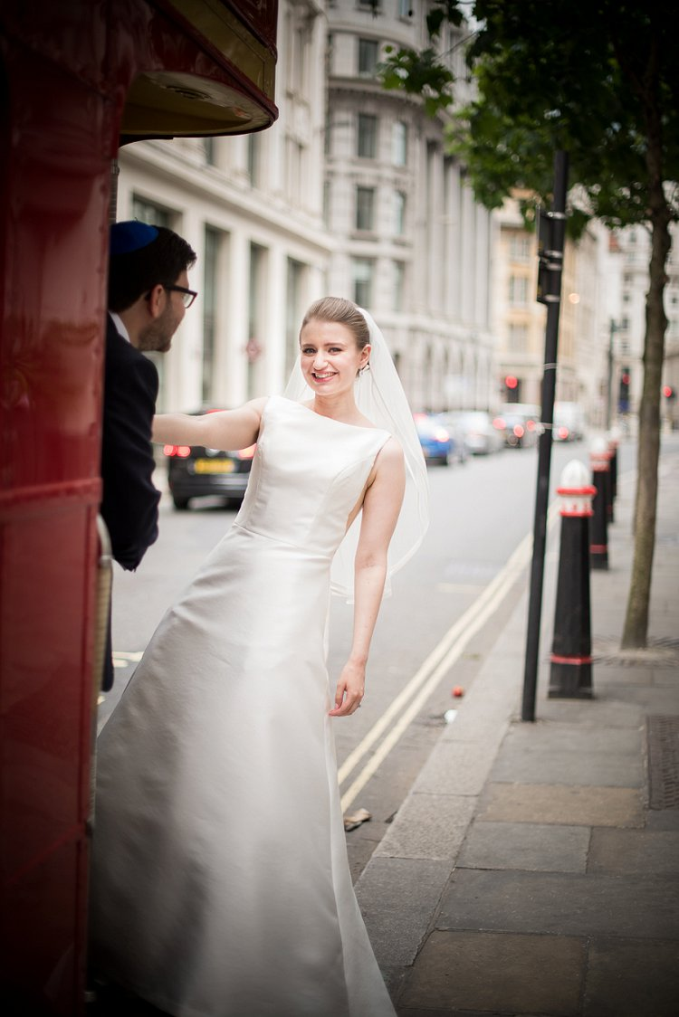 Jewish Wedding Bevis Marks London UK