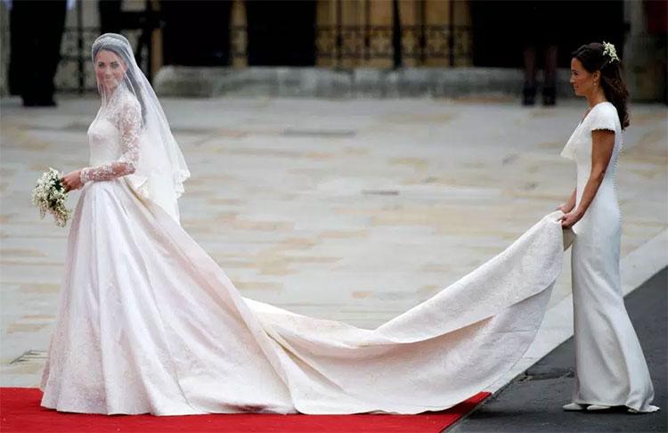 Kate-Middleton-Wedding-Dress