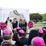 A Monique Lhuillier Bride for an Outdoor SoCal Jewish Wedding at Hummingbird Nest Ranch, California, USA