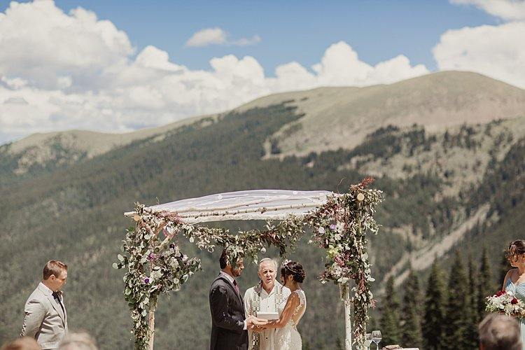 Jewish Wedding at 11,420 feet on the top of a mountain (Kachina Basin) in Taos Ski Valley, New Mexico USA_0011