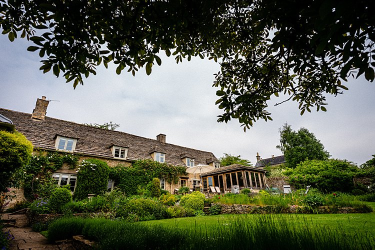 Jewish-wedding-At-Parents-holiday-home-in-Old-Minster-Lovell-Cotswolds-UK