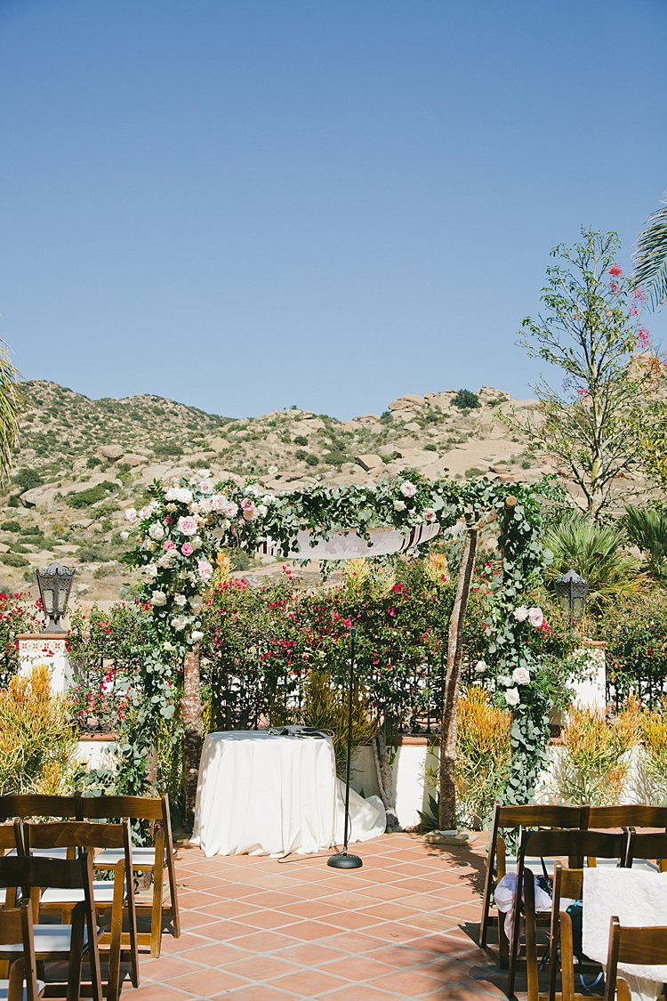 Jewish wedding Hummingbird Nest Ranch Villa in Santa Susana, CA, USA_0015