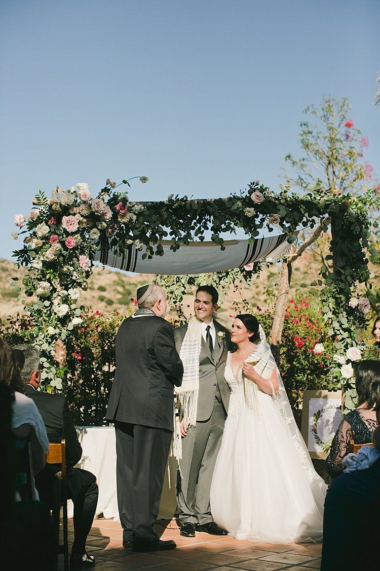 Jewish wedding Hummingbird Nest Ranch Villa in Santa Susana, CA, USA_0034